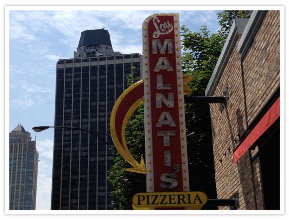 lacasserolechaude-chicago-food-tour-Lou-Malnati-1